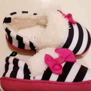 Striped Slip On Faux Fur Moccasin Slippers Size 5